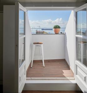 A balcony or terrace at Lisbon Best Choice Apartments Alfama