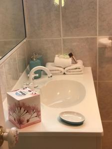 A bathroom at Villa Alessandra Rooms & Restaurant