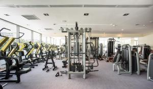 The fitness center and/or fitness facilities at Kronwell Brasov Hotel