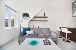 A seating area at Luxury Studio in the Heart of Kings Cross