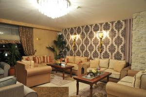 A seating area at Hotel Park Bachinovo