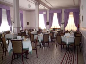 Un restaurante o sitio para comer en Gran Hotel Balneario
