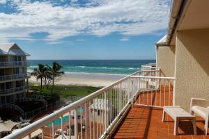 A balcony or terrace at Crystal Beach Apartments