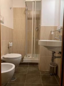 A bathroom at Hotel Sisto V