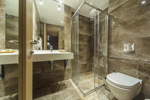 Ванная комната в Redmont Hotel Nisantasi
