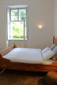 Letto o letti in una camera di Temporary Guest House