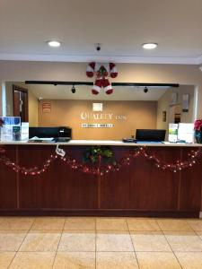 The lobby or reception area at Quality Inn Sea-Tac Airport
