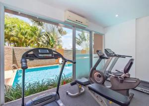 The fitness center and/or fitness facilities at Chic View Condo Karon