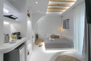 A bathroom at Majestique of Naxos
