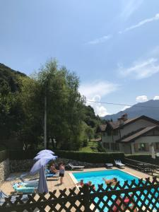 A view of the pool at Residence Dromaè or nearby