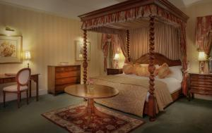 A bed or beds in a room at Nailcote Hall