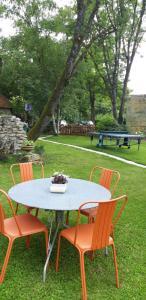 Jardín al aire libre en Gîte de la bergerie