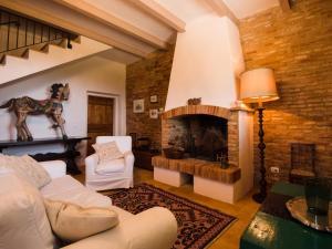 A seating area at La Guest House della Tenuta di Tavignano