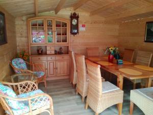 Ein Restaurant oder anderes Speiselokal in der Unterkunft Pension Motel Anna