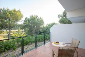 Un balcón o terraza de Hotel Admiral Casino & Lodge