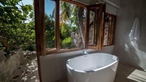 A bathroom at Hotel Poc Na Tulum