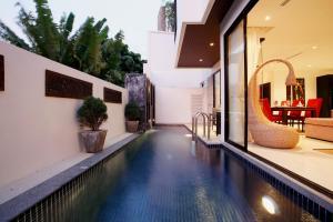 المسبح في باي ذا ليك فيلاس أو بالجوار