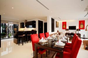 مطعم أو مكان آخر لتناول الطعام في باي ذا ليك فيلاس