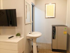 A bathroom at GN Luxury Hostel