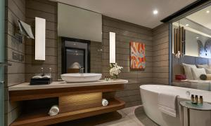 A bathroom at Pullman Jakarta Indonesia