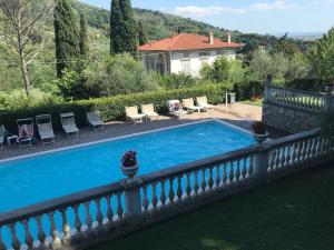 A view of the pool at Villa Maria Hotel or nearby