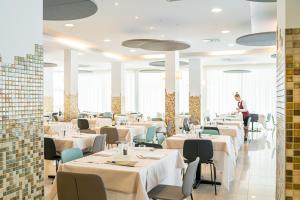 Restaurace v ubytování Hotel Parigi