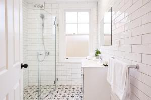 A bathroom at Contemporary Hideaway In Sydney's Historic Heart