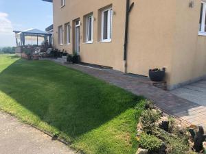 Ein Garten an der Unterkunft Business Appartements