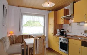 Küche/Küchenzeile in der Unterkunft Holiday Home Lutzkampen V
