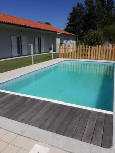 The swimming pool at or near Casa da Varzea