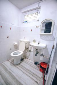 A bathroom at Zostel Mysore