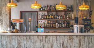 De lounge of bar bij Aparthotel Tramontana Park