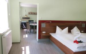 Ein Bett oder Betten in einem Zimmer der Unterkunft One-Bedroom Apartment in Bad Liebenstein