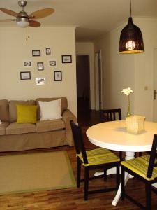 A seating area at Casa Da Chica