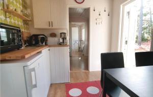 Ett kök eller pentry på Holiday Home Visby XIV