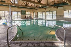 The swimming pool at or near Running Y Ranch Resort