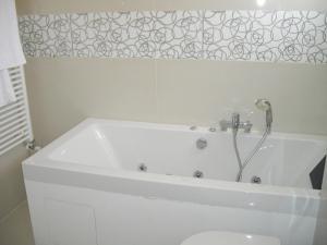 A bathroom at Crystal Hotel