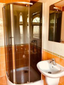 A bathroom at Penzion Relax Kadaň