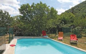 The swimming pool at or near Holiday home Le Chazalet P-859