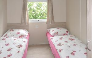 A bed or beds in a room at Comfort C