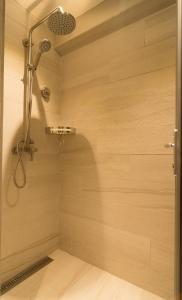 A bathroom at Cuna Hotel