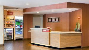 The lobby or reception area at TownePlace Suites by Marriott Medicine Hat