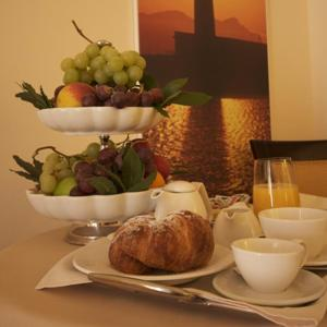 Breakfast options available to guests at Grand Hotel Florio