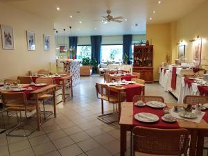 Ein Restaurant oder anderes Speiselokal in der Unterkunft Art Hotel Köln