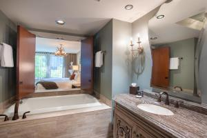A bathroom at Grand Bohemian Hotel Asheville, Autograph Collection