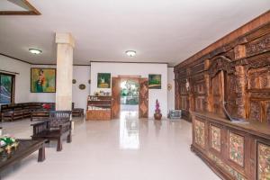 Hall ou réception de l'établissement Puri Saron Hotel Madangan - Gianyar