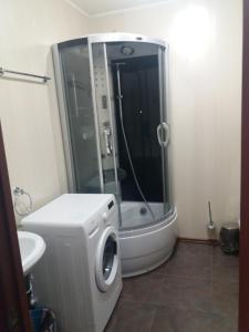 A bathroom at Двухкомнатная квартира
