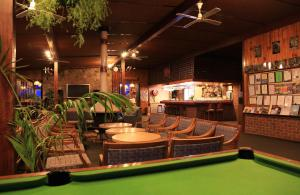The lounge or bar area at High Country Motel