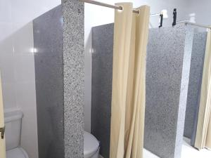 A bathroom at Thiferer Hostel