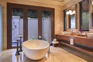 A bathroom at Taj Exotica Resort & Spa